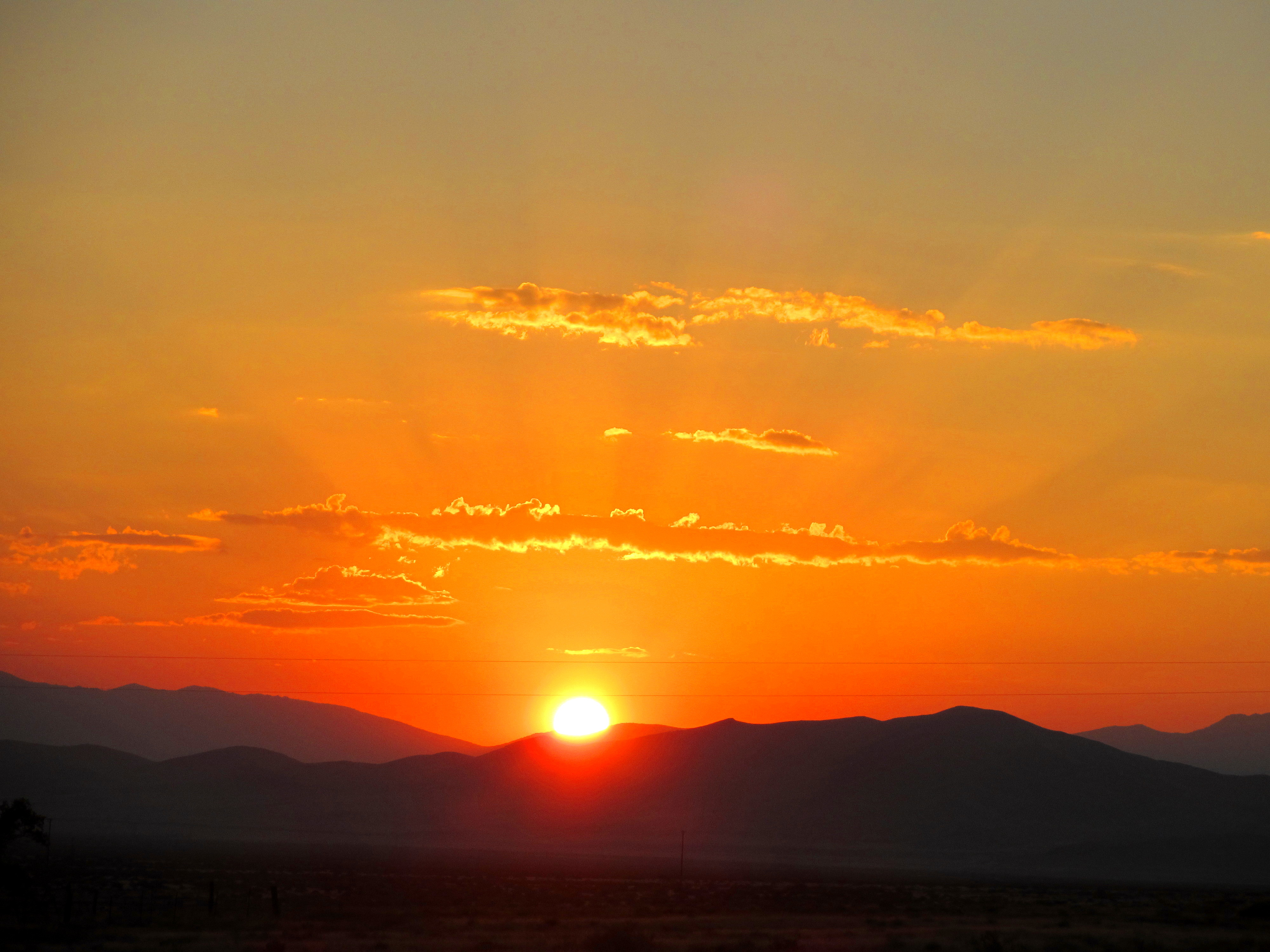 Why it gets colder after the sun rises a word of weather for Morning sunrise images